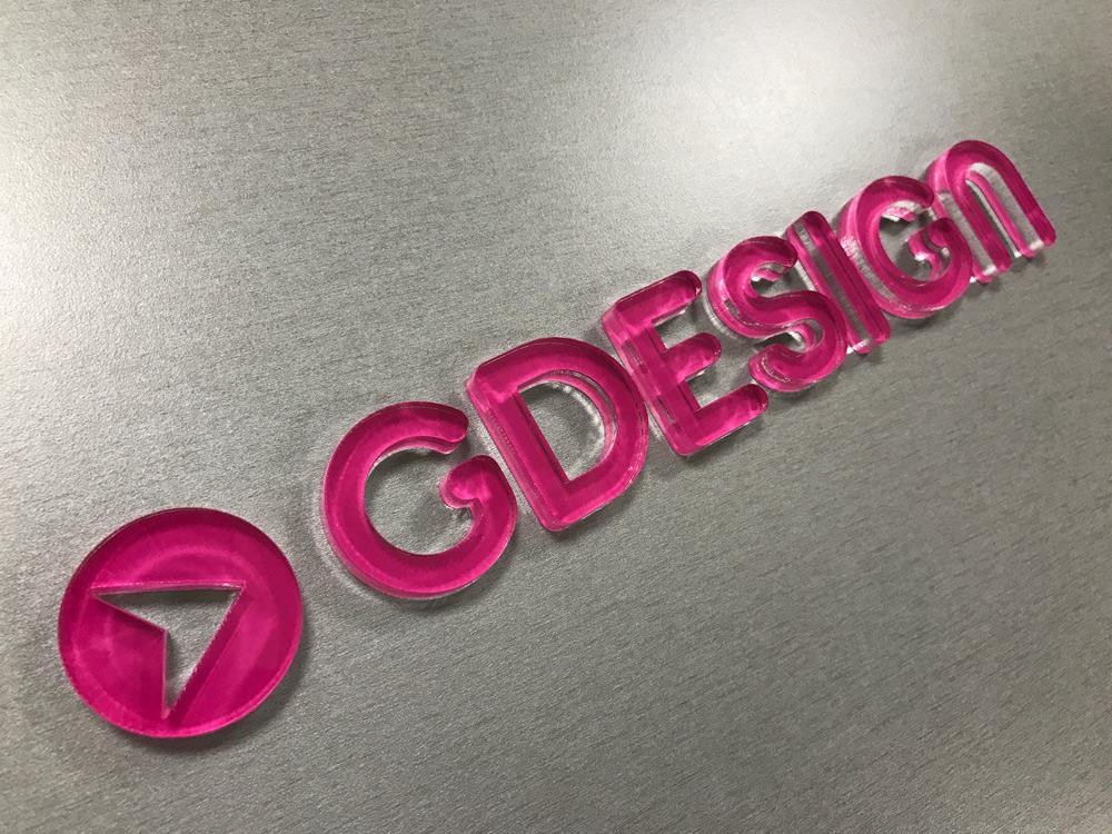 3d logo z plexiskla